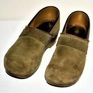 Sanita Green suede Danish clogs Size 40-US Size 10